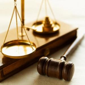 Животът така е устроен, хората така са научени, законите така са написани. За да са защитени тези, които притежават властта и парите.